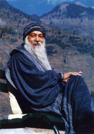 Tú existes en el mundo como un cuerpo; existes en este mundo encarnado.....
